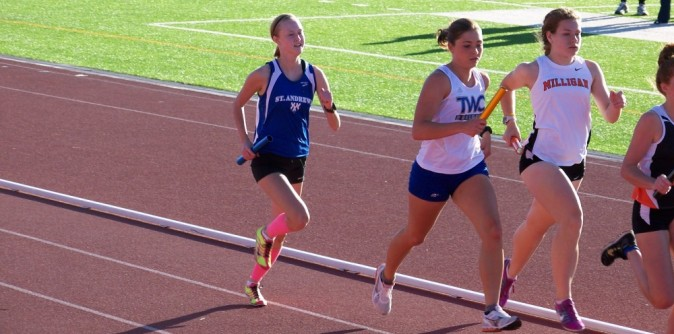 Hare and Reid make all-conference in 400 meters
