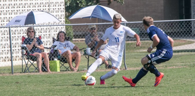 #23 Reinhardt squeaks by Men's Soccer